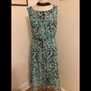 Dresses & Skirts - 😉Pretty green multi color midi.perfect for you😍